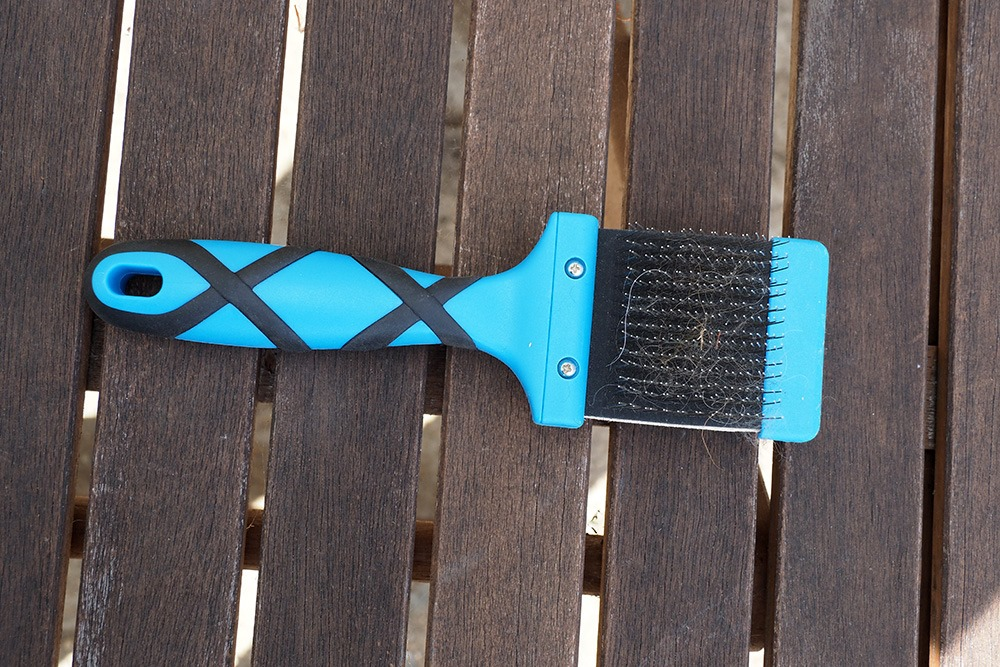 Slicker brush for poodles and doodles